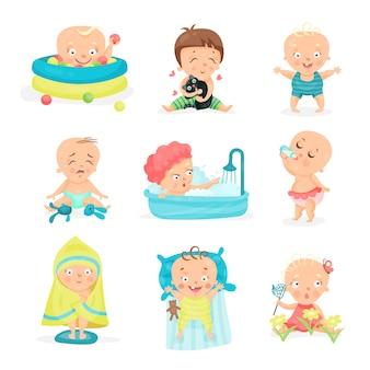 さまざまな状況でかわいい赤ちゃんを設定します。幸せな笑顔の男の子と女の子のイラスト