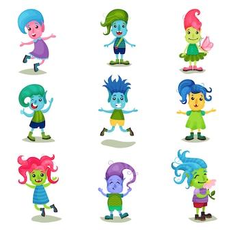 Набор милых персонажей-троллей, забавные существа с разным цветом кожи и волос. иллюстрации на белом фоне.