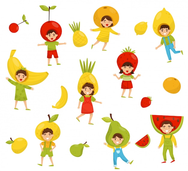 さまざまな果物の帽子の子供たちのセット。カラフルな衣装で漫画の子供たちのキャラクター。幼稚園のテーマ