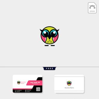 かわいいフクロウのロゴと無料の名刺デザインを入手
