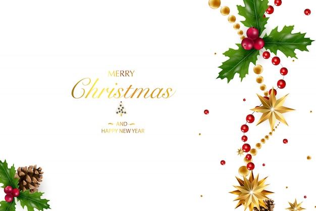 Новогодний фон с композицией праздничных элементов, таких как золотая звезда, ягоды, украшения для елки, сосновые ветки. шикарное рождество. веселого рождества и счастливого нового года.