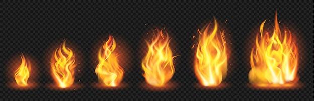 現実的な炎の概念。フレアファイアーブレイズ、さまざまなサイズの炎の噴出、成長する山火事の炎のイラストセット。ブレイズバーン、熱い炎、たき火が透明に発火