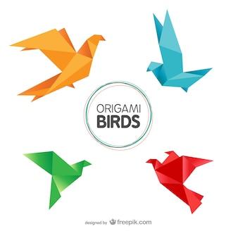 折り紙の鳥がパック