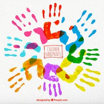 着色された子供たちの手形