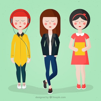 Современные девушки с модной одежды