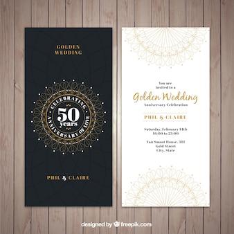 古典的な金色の結婚式の招待状