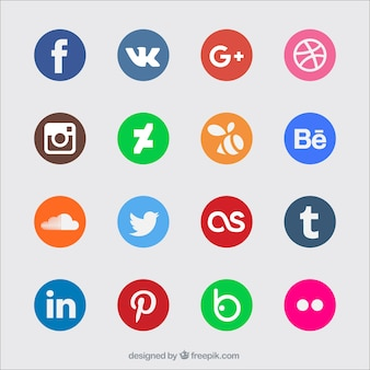 着色されたソーシャルメディアのアイコン