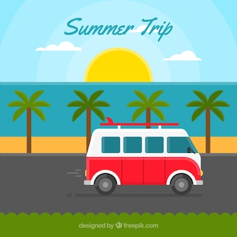 Летняя поездка с фоне старинных караван