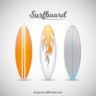 白とオレンジのサーフボード