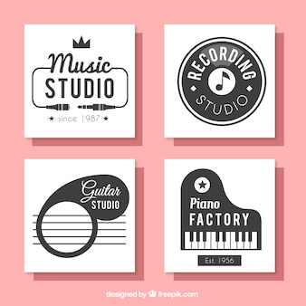 音楽スタジオのための正方形のカードのコレクション
