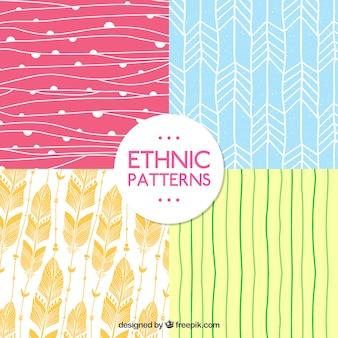 エスニック風の手描きのパターン