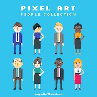 ピクセル化されたビジネスの人々のコレクション