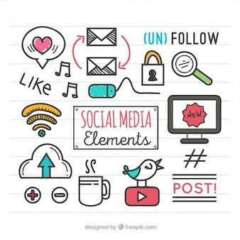 ソーシャルメディア要素を描かれた手のセット