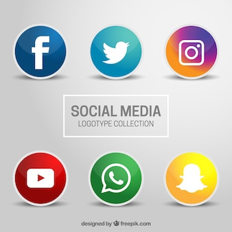 Шесть иконок для социальных сетей на сером фоне