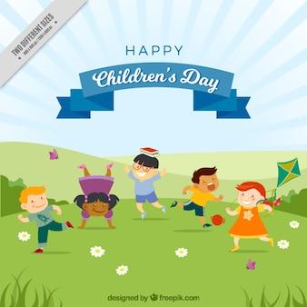 Фон прекрасных детей, играющих в парке