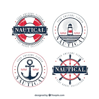 Набор из четырех круглых значков старинных с элементами морских
