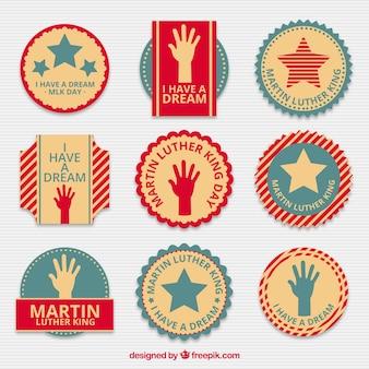 マーティン・ルーサー・キングの日のための平らなバッジのヴィンテージセレクション