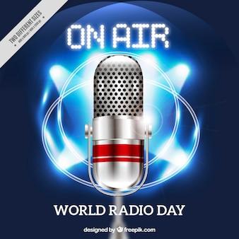 世界ラジオの日のためのメガホンで光沢のある背景