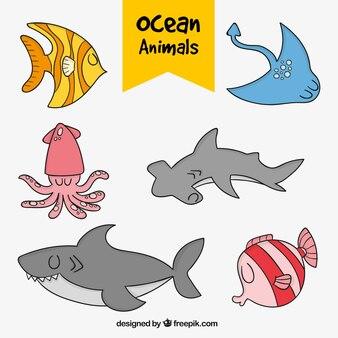 素敵な手描きの海の動物のパック