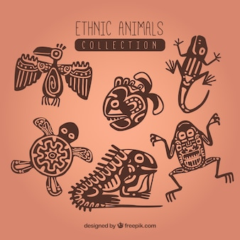 装飾品と民族の動物のコレクション