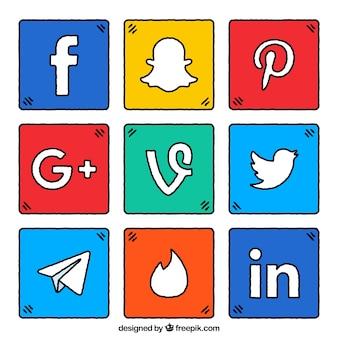 Пакет красочных квадратов с сетевым логотипом социальной