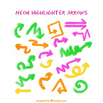 着色された手描きの矢印のセット