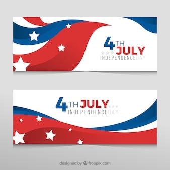 独立記念日のための波状のアメリカの旗と装飾バナー