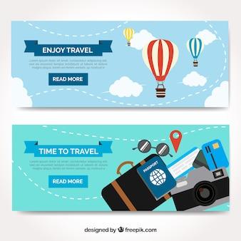 フラットデザインのカラフルな旅行の背景
