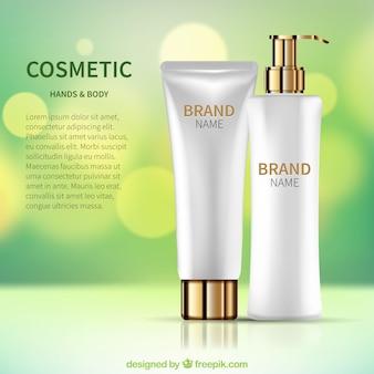 Фон расфокусирован с реалистичными косметическими продуктами