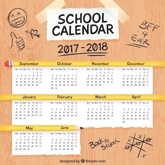 テーブル上の学校のカレンダー