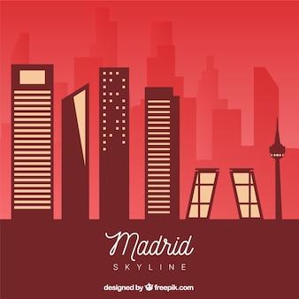 赤い色調のマドリードのスカイライン