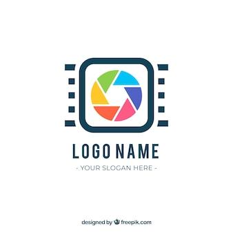フラットスタイルのダイアフラム写真ロゴ