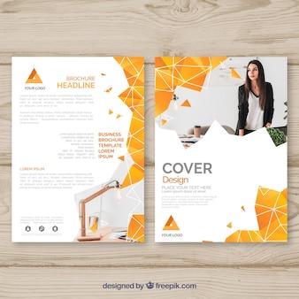 Шаблон обложки с геометрическим дизайном и фотографией