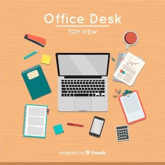 プロフェッショナルなオフィスデスクのトップビュー
