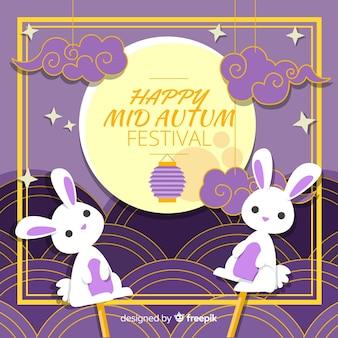 秋の祭りの背景のウサギの人形