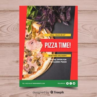 Фотографический шаблон постера пиццы