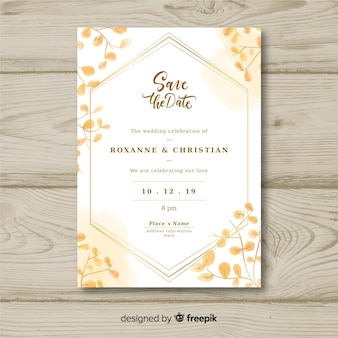 結婚式の招待状のテンプレート
