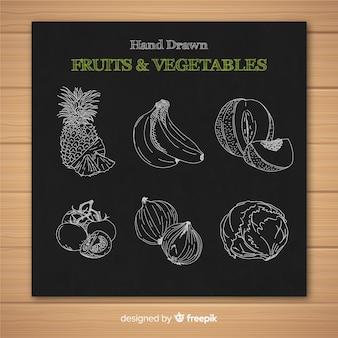 黒板の果物と野菜のコレクション