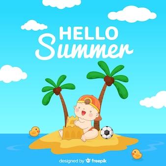 島の夏の背景で遊ぶ赤ちゃん