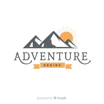 Винтажный логотип приключений