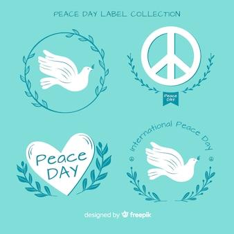 手描きの平和の日のラベルとバッジのコレクション