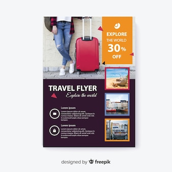 荷物を持って世界旅行者を探索する