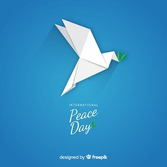 折り紙の鳩との国際平和デー