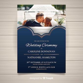 写真付きの結婚式の招待状