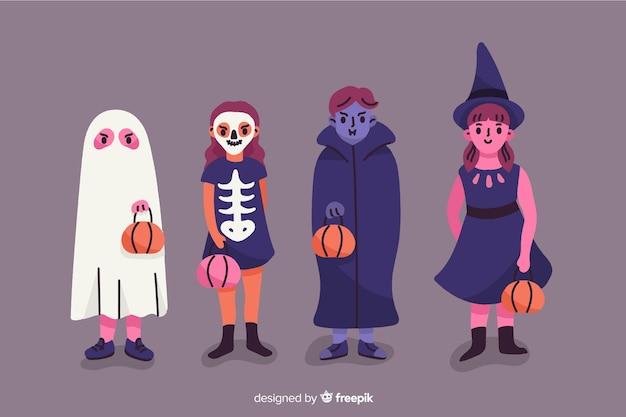 Дети одеты как монстры на хэллоуин