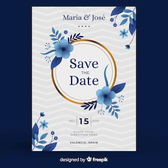 Синий цветочный шаблон приглашения на свадьбу в плоском дизайне