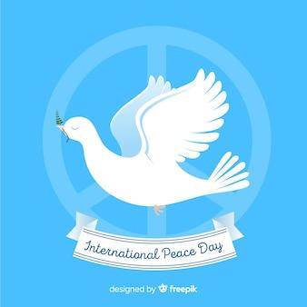 Концепция дня мира с голубем