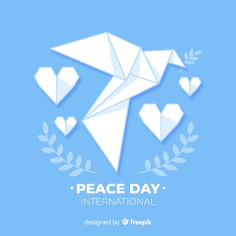 折り紙の鳩と平和の日の概念