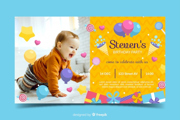 かわいい赤ちゃんの誕生日の招待状のテンプレート
