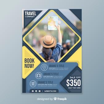 Шаблон плаката путешествия с продажей